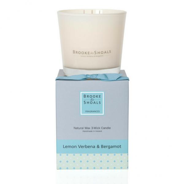 Brooke & Shoals 3-Docht Duftkerze Zitronenverbena & Bergamotte im Levinia Maria e-Shop online kaufen